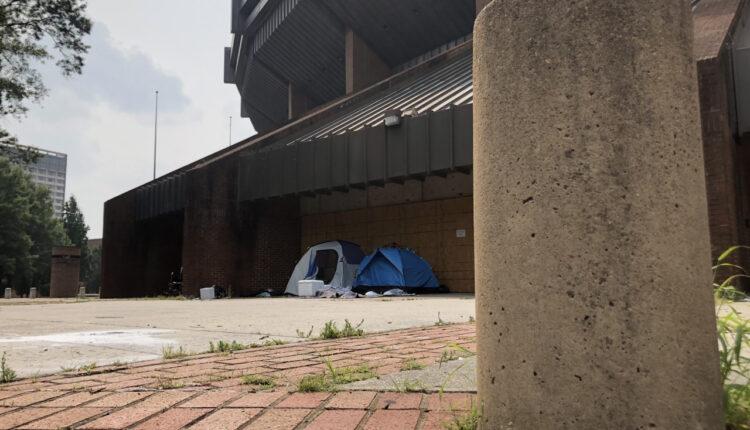 coliseum-homeless-richmond-tent-picture.jpg