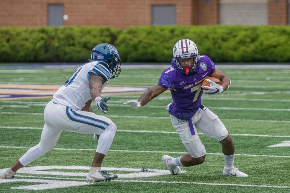 In the locker room: How JMU feels on the way to Richmond    Sports